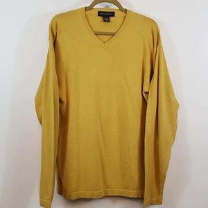 Banana Republic men's v neck sweater
